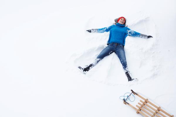 Warmer Pulli im Schnee