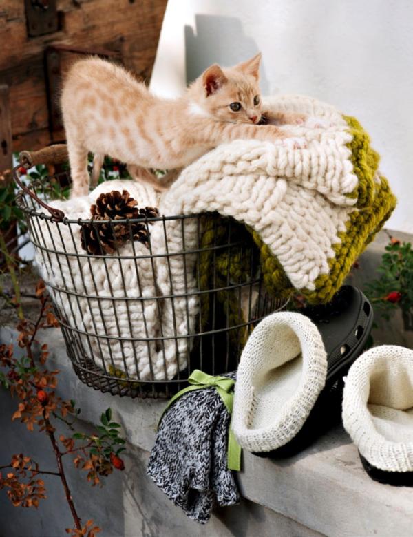 Crocks Socken Decke und Handschuhe stricken Schweizer Landliebe