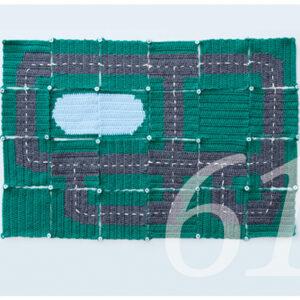 Häkelanleitung für einen Spielteppich mit Strasse