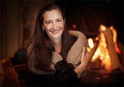 Anne-Catherine Lüke mit gestrickter Stola